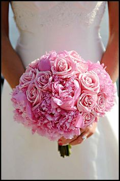 simple pink wedding bouquet