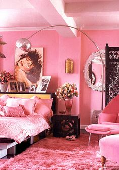 kitschyliving: This is Betsey Johnson's bedroom in her New York apartment before she sold it. definitely this colour for my bedroom Dream Rooms, Dream Bedroom, Girls Bedroom, Bedroom Decor, Hot Pink Bedrooms, Funky Bedroom, Bedroom Fun, Feminine Bedroom, Bedroom Crafts