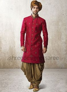 Men's Designer Red Sherwani Kurta Salwar Stole Wedding Party Look Indian Style Sherwani Groom, Mens Sherwani, Wedding Sherwani, Punjabi Wedding, Wedding Dresses Men Indian, Wedding Dress Men, Wedding Outfits, Indian Weddings, Wedding Attire
