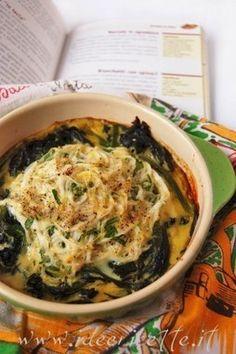 Ricetta Bianchetti con spinaci e uova in cocotte
