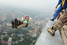 basejumpin style Into The Abyss, Impossible Dream, Base Jumping, Skydiving, Amazing Adventures, Kuala Lumpur, Playground, Adventure Travel, Cool Pictures