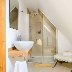 Tiny bathroom Sloped Ceiling - Bathroom suites that make the most of awkward spaces. Small Space Bathroom, Loft Bathroom, Upstairs Bathrooms, Small Bathrooms, Neutral Bathroom, Master Bathroom, Attic Rooms, Attic Spaces, Attic House