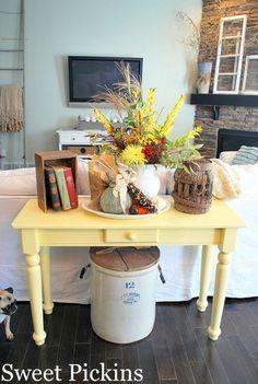 Sweet yellow table