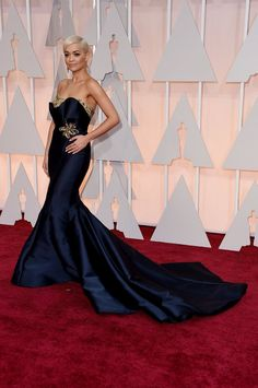 Pin for Later: Seht alle Stars bei den Oscars! Rita Ora In Marchesa.