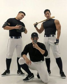 Hot Baseball Guys, Figure Poses, Sports Memes, Asian Men, Asian Guys, Sport Man, Cute Gay, Short Outfits, Sexy Body