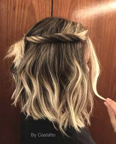 27 idées de coiffure tresse belles et fraîches pour cheveux courts - coiffures pour dames neuves , Braids For Short Hair, Short Hair Cuts, Wavy Hair, Short Hair Twist, Boho Hair Short, Bob Braids, Braid Hair, Ponytail, Medium Hair Styles