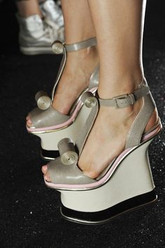 e28ada8eb96ee9 Backstage Diane von Furstenberg S S 2013 www.Fashion-with-Style.