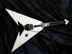Death Magnetic V - GuitarHeroe Controller Guitars, Magnets, Death, Guitar