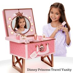 Disney Princess Style Collection Travel Vanity Playset Kids and Girls Toys and Games Little Girl Toys, Baby Girl Toys, Toys For Girls, Baby Dolls, Little Girls, Princess Style, Little Princess, Voyage Disney, Disney Princess Gifts