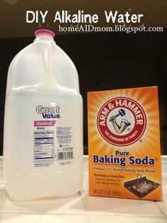 I've been told distilled water is dangerous to drink. DIY Alkaline water --Ingredients: 1 gallon distilled water (pH level is +/- tsp baking soda (will bring pH level up to Healthy Drinks, Get Healthy, Healthy Tips, Detox Drinks, Cancer Fighting Foods, Cancer Cure, Natural Health Remedies, Home Remedies, Health And Nutrition