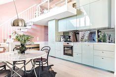 Pastel perfection in this scandi apartment via @svenskfaststorgoteborg    #pasteldecor #apartment #apartmentliving #immyandindi