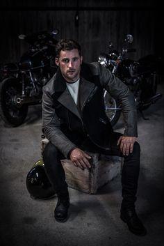 Loden Biker Jacke - Cafe Racer #caferacer #sustainablefashion Cafe Racer Jacke, Biker, Sustainable Fashion, Vintage, Character, Get Tan, Clothing, Jackets, Black