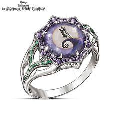 A unique and officially licensed Disney Nightmare Before Christmas ladies' sterling silver-plated ring with centre stone and image of Jack Skellington and Sally. Dozens of simulated diamonds. Nightmare Before Christmas Rings, Jack Y Sally, Estilo Tim Burton, Tim Burton Style, Purple Diamond, Cute Jewelry, Jewlery, Christmas Nails, Holiday Nails