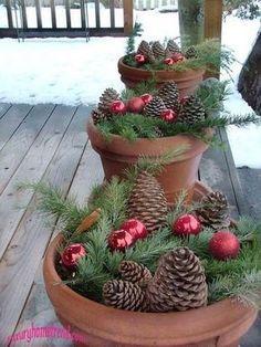 DIY Weihnachtsdeko Bastelideen mit Tannenzapfen-Gartendeko