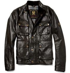 El chaqueta es negro. Yo necesito a mediano.
