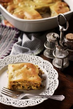 Russian Cabbage pie is a casserole worthy of any potluck. Take the time to wilt the cabbage down fully and season well for best results. Eastern European Recipes, European Cuisine, Ukrainian Recipes, Russian Recipes, Croatian Recipes, German Recipes, Hungarian Recipes, Russian Dishes, Russian Foods