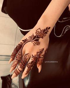 Modern Henna Designs, Latest Arabic Mehndi Designs, Floral Henna Designs, Henna Tattoo Designs Simple, Finger Henna Designs, Mehndi Designs Feet, Full Hand Mehndi Designs, Mehndi Designs 2018, Henna Art Designs