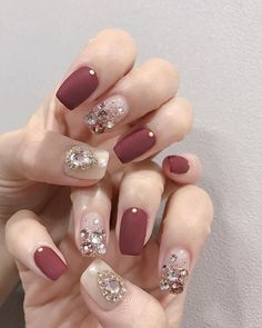 Very Pretty Nail Art Designs for Girls In Summer - Page 20 of 20 Here are some very nice nails for your eyes to see! These nails are so beautiful that they make you feel warm and fuzzy inside,… Elegant Nail Art, Elegant Nail Designs, Pretty Nail Art, Vintage Wedding Nails, Wedding Nails Design, Nail Wedding, Nail Swag, Nail Art Designs, Korean Nail Art