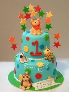 Here are 10 cute and unique first birthday cake ideas for boys and girls. First birthdays are always special and unique birthday cakes make them all the more memorable. Friends Birthday Cake, Unique Birthday Cakes, Themed Birthday Cakes, First Birthday Cakes, Themed Cakes, Blue Birthday, Birthday Ideas, Safari Cakes, Petit Fours