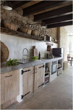 Rustic Kitchen Design, Outdoor Kitchen Design, Interior Design Kitchen, Rustic Kitchens, Vintage Kitchen, Kitchen Modern, Kitchen Floor, Country Kitchen, Modern Interior