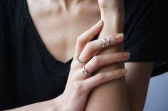 Bague phalange argentée Arrow : Bague par larainetteapois