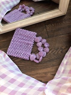 Beaded bag handmade in Paris Violet worn hands - Bags and Purses 👜 Beaded Purses, Beaded Bags, Beaded Jewelry, Fashion Mode, Fashion Bags, Ideias Diy, Purple Aesthetic, Cute Bags, Violet