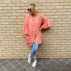 Can you wear leggings after And how to wear leggings to look stylish, young and hip after All your questions are answered here. How To Wear Leggings, Best Leggings, Leggings Are Not Pants, Dresses To Hide Tummy, What I Wore, What To Wear, Bob, Weekend Style, Fashion Over 40