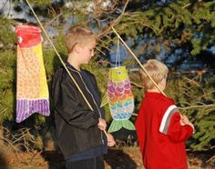 Great project from That Artist Woman: Children's Day - Koinobori Windsocks. Might take a bit more creativity than I've got, but it sure looks cool. Spring Projects, Projects For Kids, Art Projects, Class Projects, Spring Crafts, Project Ideas, Boys Day, Child Day, Sunshine Crafts