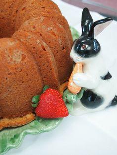 Perfect Easter dessert! 7-Up Cake http://violetmeyer.com/7-up-cake/?utm_campaign=coschedule&utm_source=pinterest&utm_medium=VioletBites%20(victuals%20%26amp%3B%20libations)&utm_content=7-Up%20Cake #glutenfree