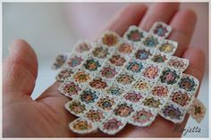 Dollhouse Granny Square Blanket #crochet #grannysquare