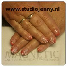 French manicure with a twist of spring - By Studio Jenny