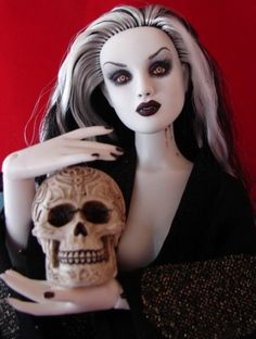About Angelique: Alabastar mannequin repainted as a vampire by Toni Brown