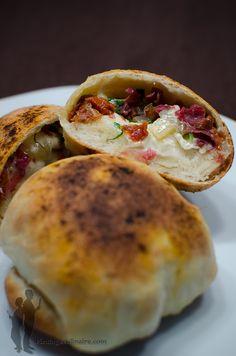 Boules de pizza au manchego, à la viande des grisons et aux tomates confites   Piratage Culinaire