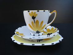 RARE-YORK-Art-Deco-SHELLEY-Sunflower-Yellow-12106-Cup-Saucer-Plate-TRIO-SE440