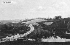 Akershus fylke Skedsmo kommune Strømmen Sagdalen  SkjettenveienkrysserSagelvamed Ryendammen til høyre. Søndre Skjetten gård til venstre, Nedre Ryen gård til høyre. Postkort fra 1917