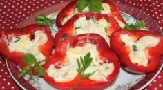 Plnená paprika na studeno Caprese Salad, Appetizers, Stuffed Peppers, Vegetables, Food, Snacks, Meal, Appetizer, Stuffed Pepper