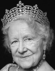 Tiara Mania: Queen Elizabeth of the United Kingdom's Honeycomb Tiara