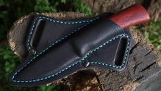 Photo Leather Art, Leather Tooling, Leather Wallet, Knife Sheath Making, Knife Making, Leather Knife Sheath Pattern, Knife Holster, Custom Leather Holsters, Bullet Crafts