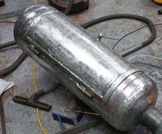 Крутая самодельная коптильня горячего копчения из газовых баллонов на дачу