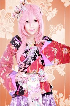 Vocaloid's Megurine Luka. This was just too adorable not to re-pin.