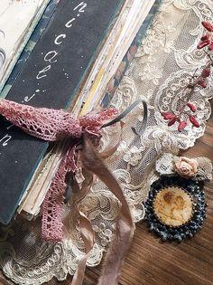Валентина Степаненкова Handmade Journals, Handmade Books, Journal Covers, Art Journal Inspiration, Textile Art, Photo Wall, Reusable Tote Bags, Textiles, Art Journals