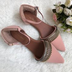 pink 💖 💖 💖 Fancy Shoes, Pretty Shoes, Cute Shoes, Beautiful Shoes, Flat Shoes, Indian Shoes, Bridal Sandals, Stylish Sandals, Shoes Heels Pumps