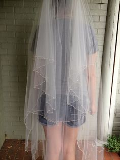 DIY Wedding Veil  This one is a good one
