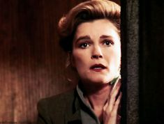 A Janeway a Day (all pictures) Captain Janeway, Star Trek Universe, Penny Dreadful, Tenth Doctor, Supergirl, Cool Girl, Fandoms, Fandom, 10th Doctor