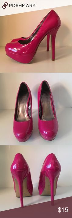 Berry color pumps! These berry color pattern leather pumps are from forever 21! Worn with a few very light scuffs! Perfect color pop to any outfit! True to size. Forever 21 Shoes Heels
