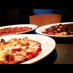 7'' delicious Arni's pizzas