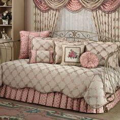 Floral Trellis Daybed Bedding