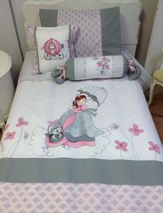 Une parure de lit pour les filles avec une petite - Housse de couette bebe fille ...