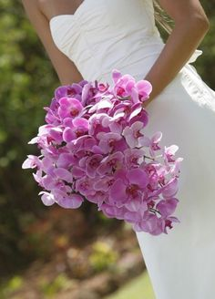 http://ramosdenovianaturales.com/ramos-para-novias-sexys/