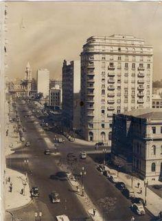 1950 - Avenida Ipiranga. A direita vemos parte do Instituto de Educação Caetano de Campos. A avenida segue em direção a rua da Consolação.